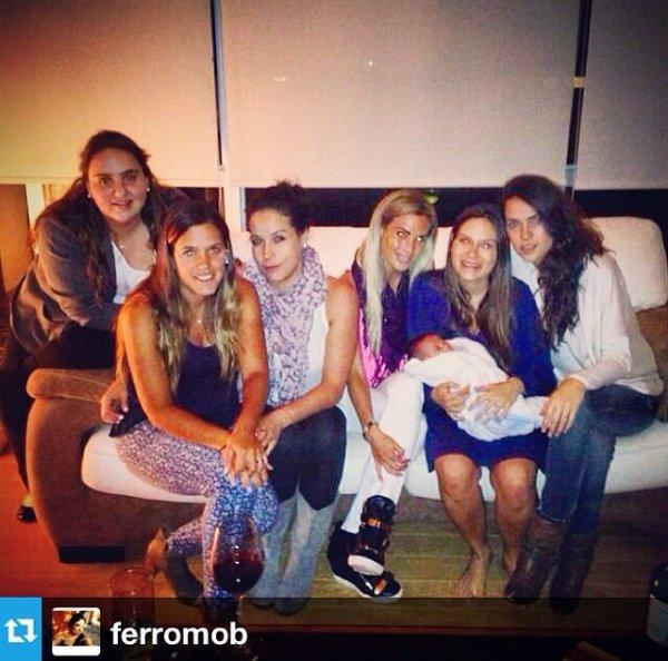 Karla Mora et des amies