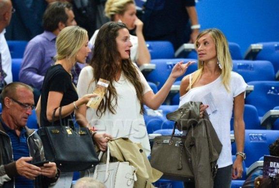 Les Wags françaises au Stade de France pour le match France - Espagne