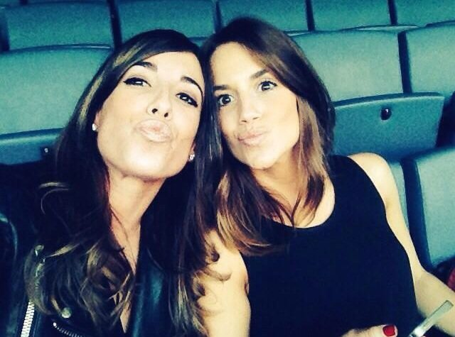 Erika choperana et une amie au match de l 39 atletico madrid blog de frenchwags - Robot erika plus ...