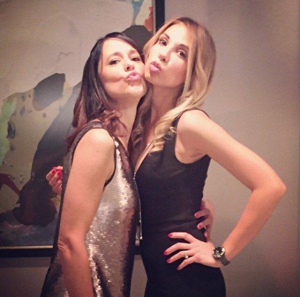 Fanny & Mathieu Valbuena fête le Nouvel An avec des amis