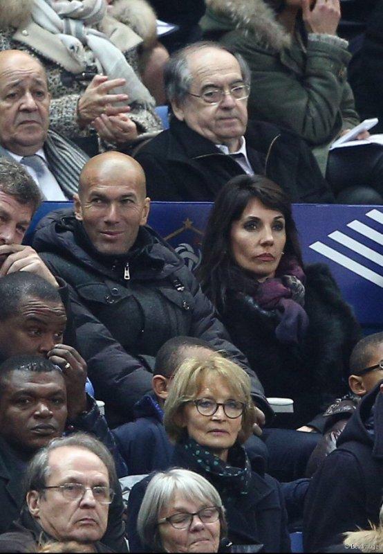 Véronique & Zinedine Zidane au Stade de France pour France - Brésil