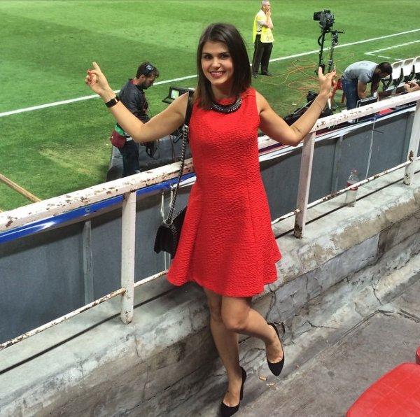 Lina assiste au match Séville - Fiorentina