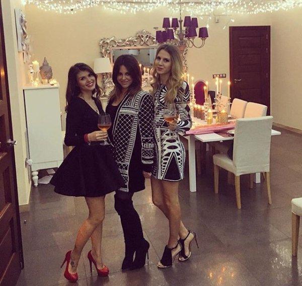 Lina, Aurore & Lucie fêtent le réveillon
