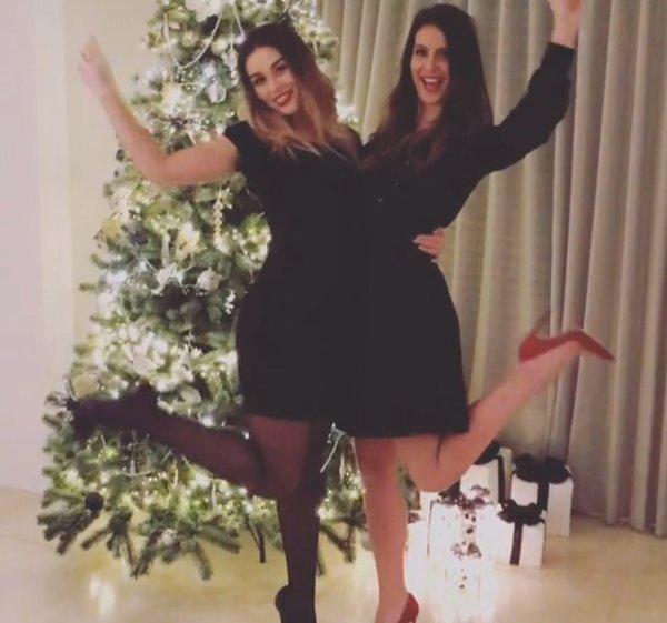 Marine & Hugo Lloris avec Clara, la s½ur de Marine lors de Noël!