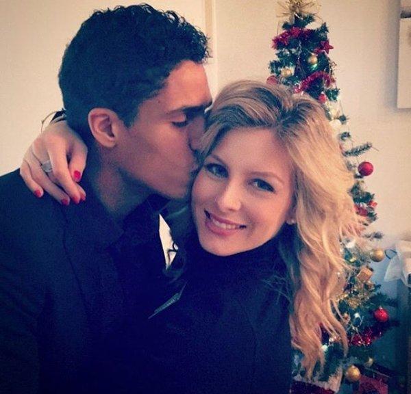 Camille & Raphaël Varane lors de Noël!