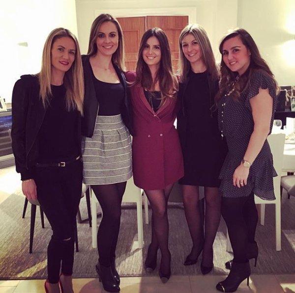 Marine Lloris & Claire Koscielny avec des amies