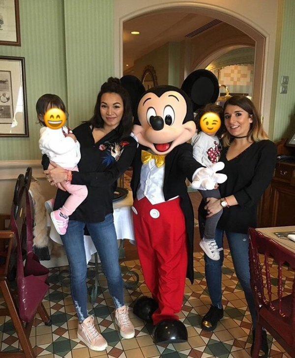 Sabrina & Alicia avec leurs filles à DisneyLand