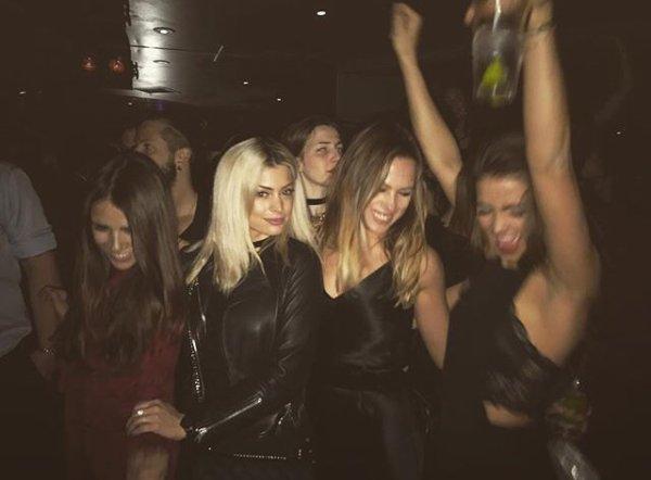 Mélanie Da Cruz avec Francesca, Evelina & Candy