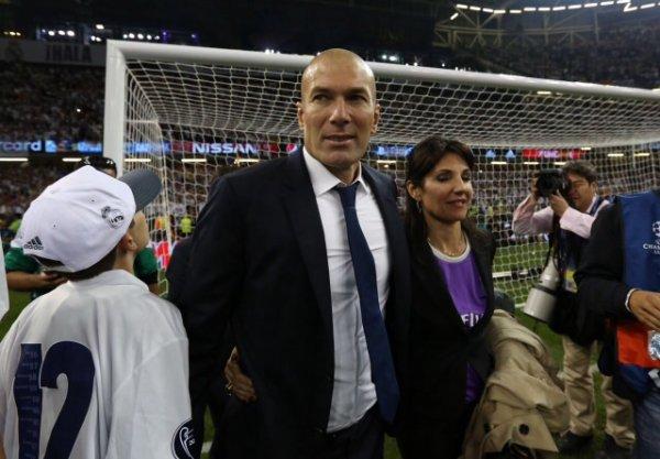 Véronique, Zinedine, Théo, Elyaz & Enzo Zidane lors de la Finale de Champions League au Millenium Stadium