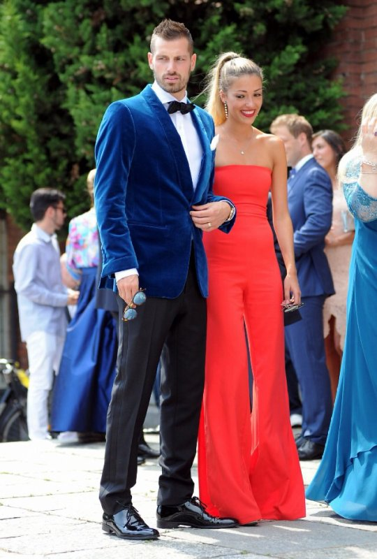 Camille & Morgan Schneiderlin lors du mariage de Francesca & Matteo Darmian