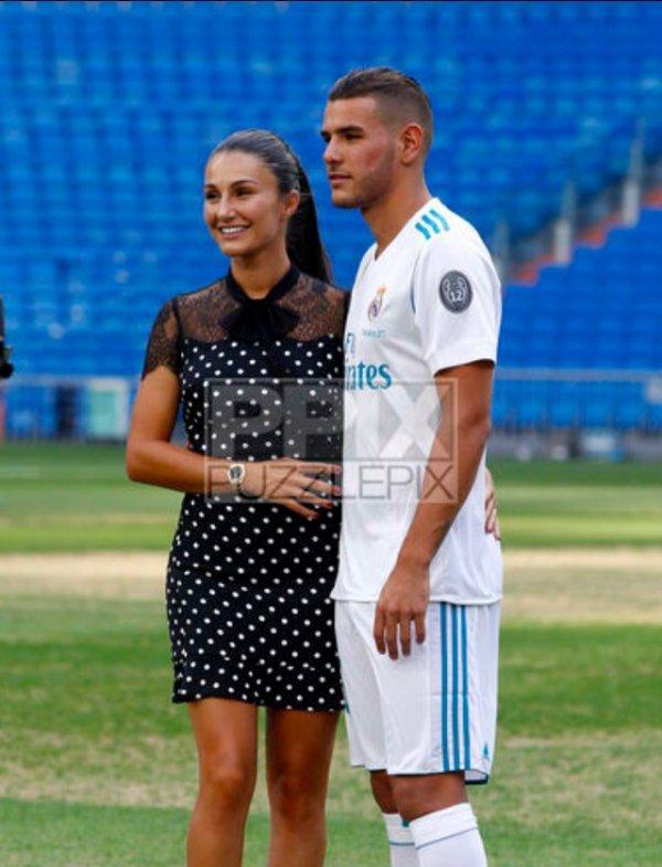 Adriana & Theo Hernandez à Santiago Bernabeu