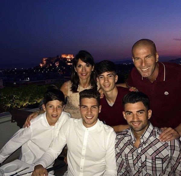 Véronique & Zinedine Zidane avec leurs enfants