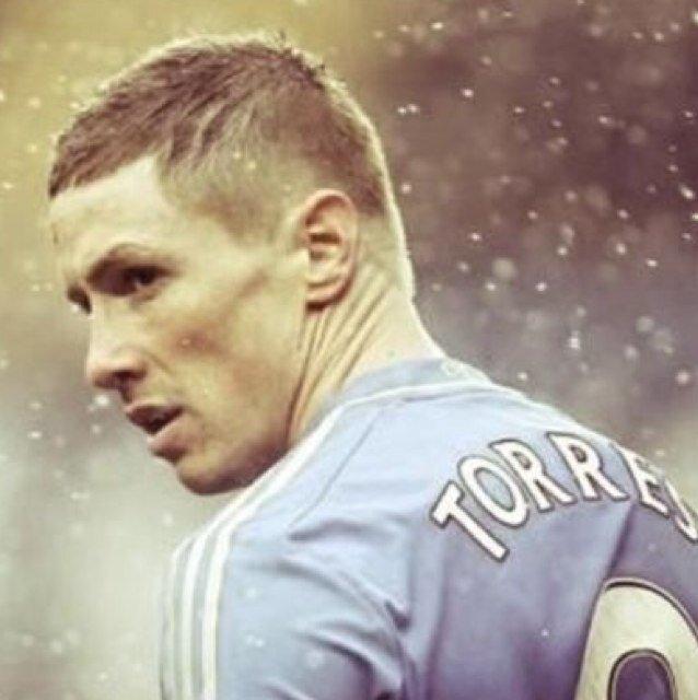 ~ On a tous et toutes un joueur que l'on aime plus que d'autres, que l'on admire et que l'ont soutient différement. Suivez toutes l'actualitées de Fernando Torres et de son club Chelsea.