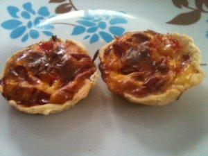 Tartelettes aux poivrons et au jambon cru