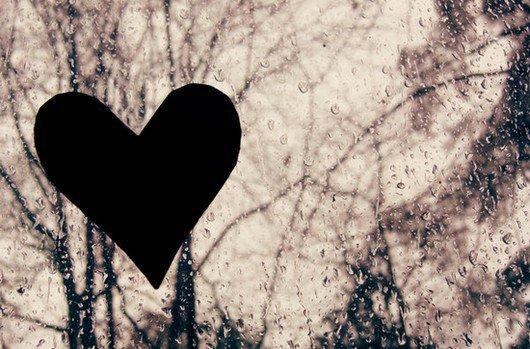 Aimer jusqu'à la déchirure, aimer, même trop, même mal.  Tenter sans force et sans armure d'atteindre l'inaccessible étoile...
