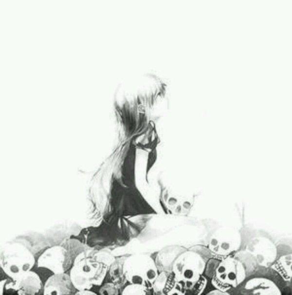 Mes pensées se transforme en sentiment de haine et de pitié ...et quand elles prennent le controle de tout mon etre j entend ses personnes souhaitant ma mort ...
