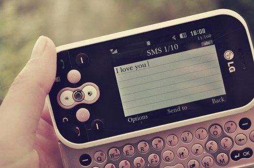 « A chaque fois que mon téléphone vibre, j'espère voir ton prénom s'afficher... »