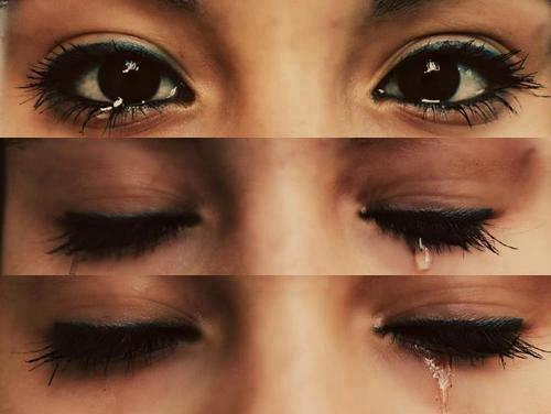 Ne pleure jamais devant les autres, car celui qui ne te connait pas rit, celui qui te hait jouit et celui qui t'aime souffre..♥