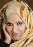 elle c une femme musulmane elle repect simplement  sa religion elle fait du mal a personne tu voi elle est belle non