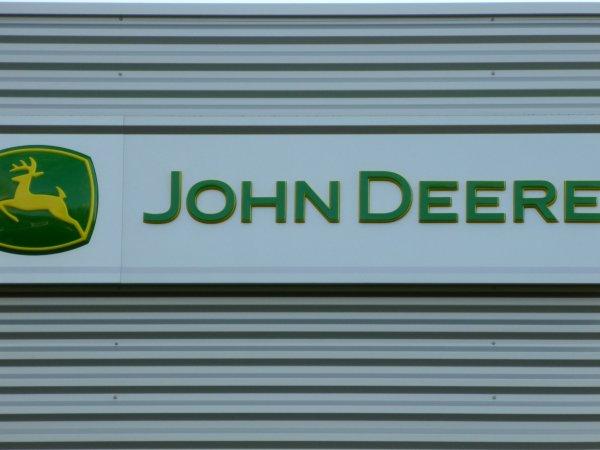 Johndeere22 vous souhaite une Bonne & Heureuse Année 2012