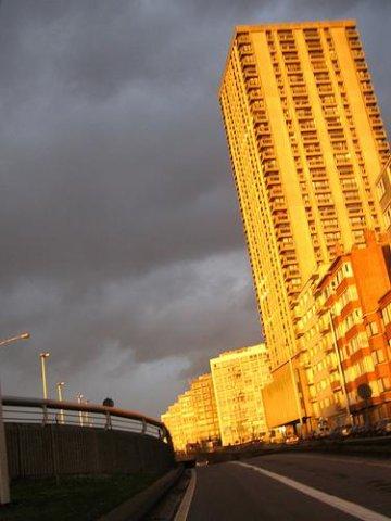 La Tour de l'avenue de Lille à Droixhe sera sécurisée par le placement d'une parlophonie et d'un système de vidéosurveillance