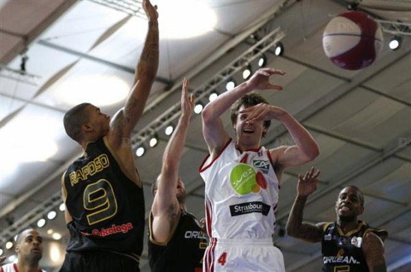 Basket-ball John Shurna prolongé jusqu'à la fin de la saison
