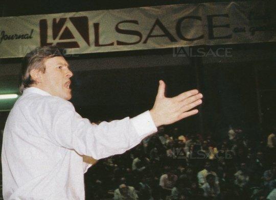 Basket-ball Jean-Luc Monschau à Pfastatt : c'est de la bombe !