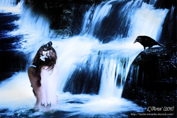 Sous la cascade ...