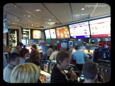 dans un fast-food