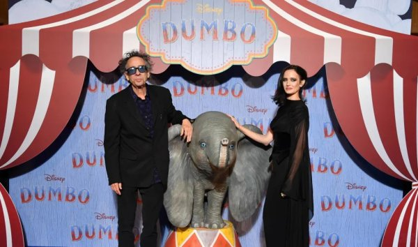 AVANT-PREMIERE DUMBO - GRAND REX DE PARIS