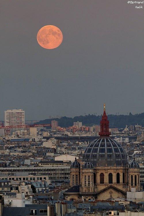 Lune sur Saint Augustin
