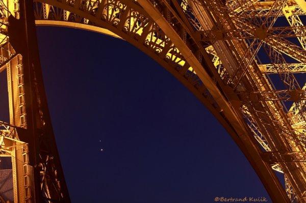 Jupiter et vénus sous la tour Eiffel