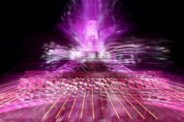 Eiffel tower in Gangnam style