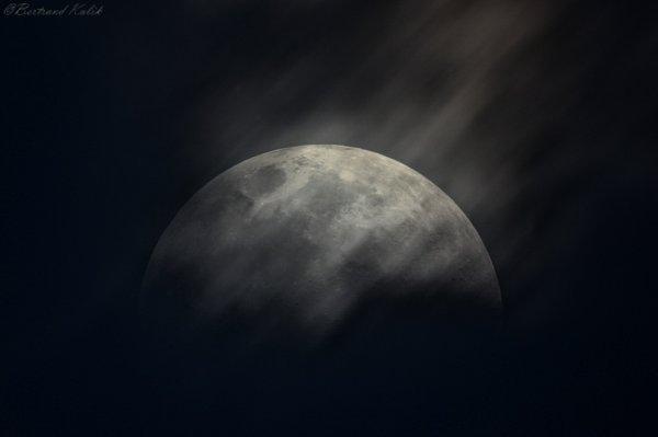 Cache cache lunaire