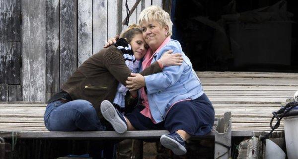 """TF1 diffuse ce lundi 23 avril 2018 à 19h20 le 200eme épisode de """"Demain nous appartient"""". A cette occasion, Ingrid Chauvin et sa bande accueillent une guest de choix : Mimie Mathy"""