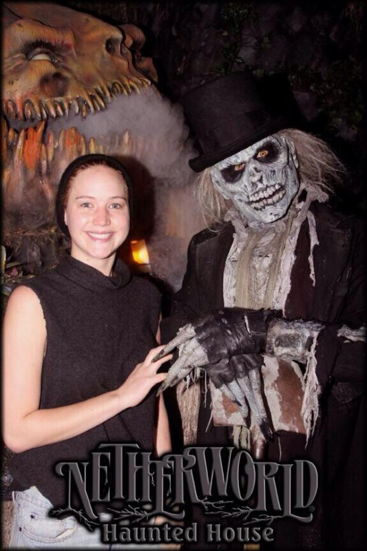 Jenn au NETHERWORLD HAUNTED HOUSE