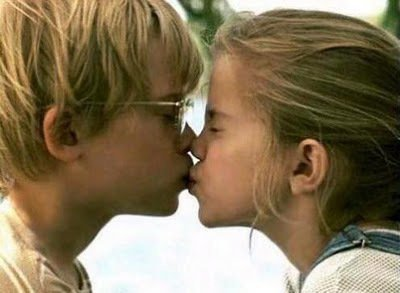 Wenn ich den Film My Girl sehe muss ich immer an uns zwei denken. :) Du warst der wichtigste Mensch in meimem Leben manchmal wüschte ich du hätte alle meine Freunde kennengelernt. Wie chuck & larry ; wie bonnie & clyde ♥