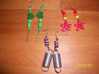 nouveauté...pendentif et boucles d'oreilles...porte-clefs modèles uniques...
