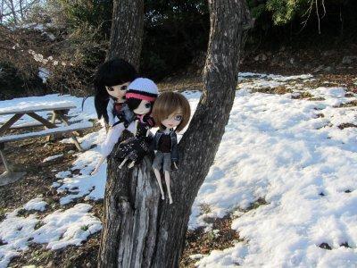 Les filles dans la neige