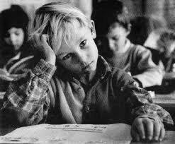 « Toutes les grandes personnes ont d'abord été des enfants, mais peu d'entre elles s'en souviennent.  »  Antoine de Saint-Exupéry
