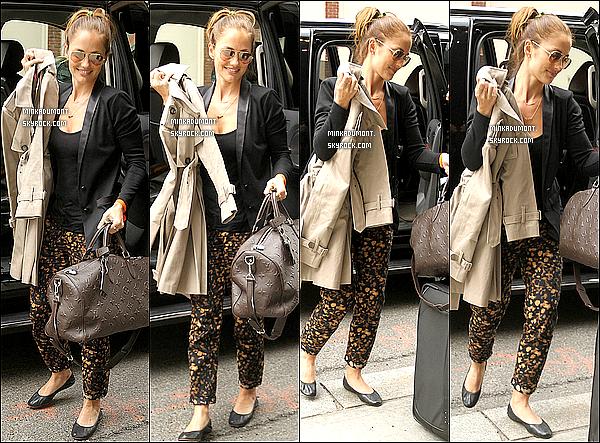 _   03/05 - Minka a été photographiée, arrivant à son hôtel Trump SoHo à New York. _Plutôt Top ou Flop ? _