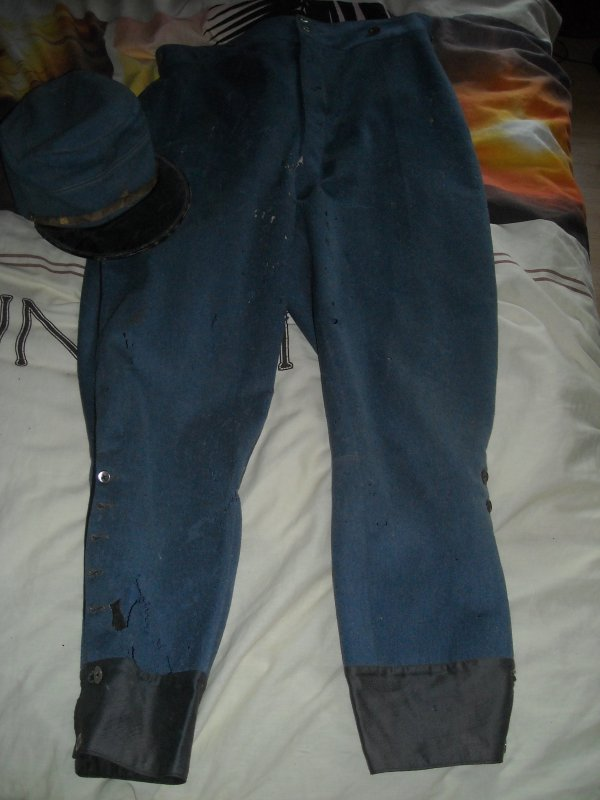 Pantalon et casquette de poilu WW1