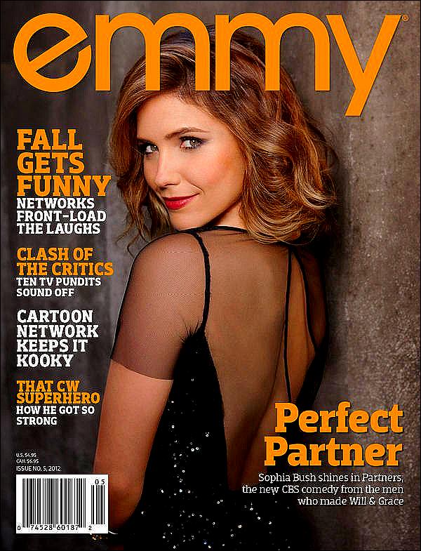 """.Miss Bush, plus que ravissante, faisant la couverture du magazine """"EMMY"""" du mois d'Octobre 2012. On peut également découvrir un magnifique photoshoot de notre belle."""