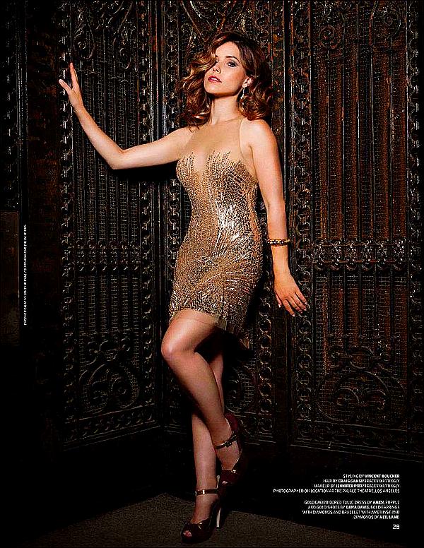 """.Miss BUSH faisant la couverture du magazine """"EMMY"""" du mois d'Octobre 2012. ♥"""