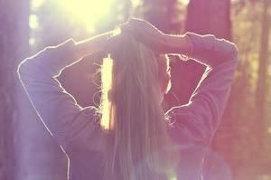 Quand tu aimes quelqu'un tu le prends en entier avec toutes ses attaches, toutes ses obligations. Tu prends son histoire, son passé, son présent. Tu prend tout, ou rien du tout.