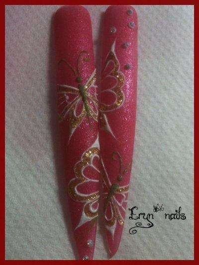 Un peu de Nail Art !!!!!