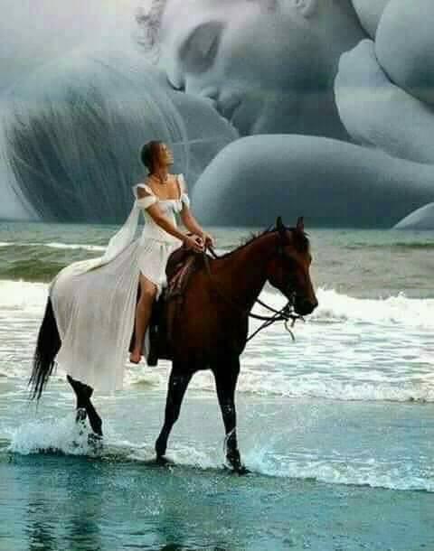 Viens dans mes bras... Et fais moi entendre... La douceur de ta voix... Aux mots si tendres... Viens sous mes caresses... Caline jusqu a l ivresse... Pleine de délicatesse... Féline ou bien tigresse... Viens je veux t aimer... Dans cette nuit nouvelle... Elle sera parfumée... De la douceur de ton miel... Et laisse moi t emmener... Dans ce lit ou l amour... Ne pourra que nous sublimer... Et nous bercera pour toujours...