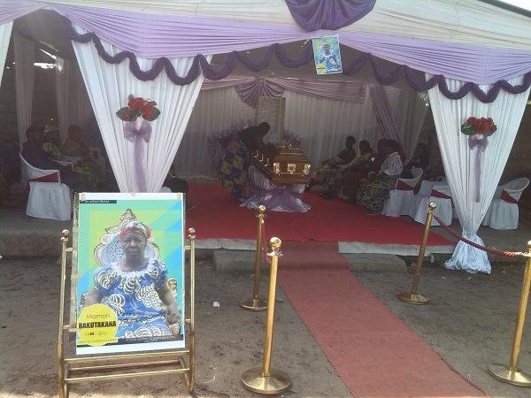 Espace  Esperer Don Bosco pleure la deuil de Grand Mère BAKUTAKANA
