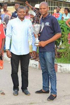 Président de Jeunes de la Paroisse Saint Marie Auxiliatrice avec le Père Benoit Tsasa