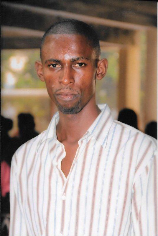 Portrait  de Siro Matumona  Informaticien au Cyber Cafe Don Bosco